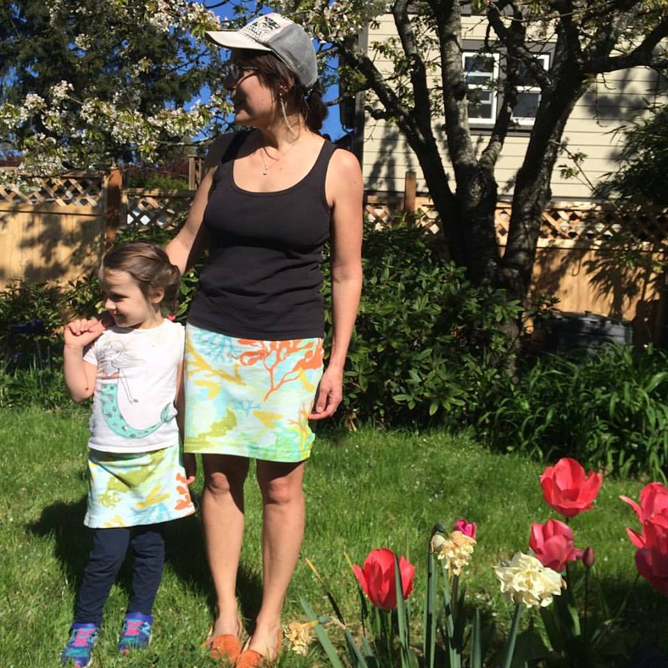 mom daughter twinning seaweed skirts